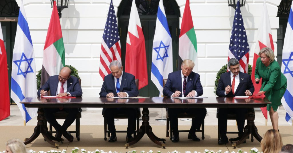 Getty Image - Signing Peace Deal